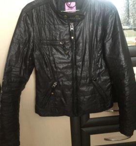 2 осенних куртки.