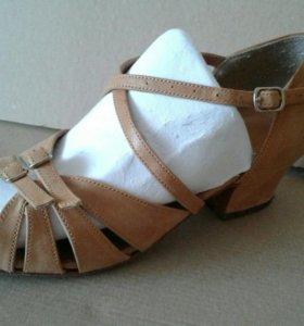 Туфли кож для б/с танцев