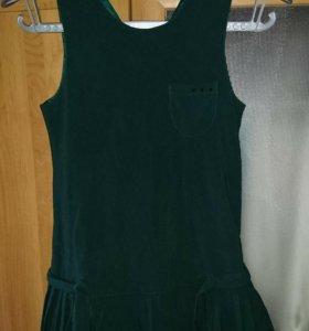 Форма для девочки зелёного цвета