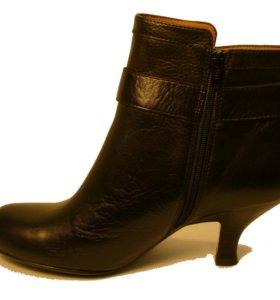 Новые ботинки Sofft