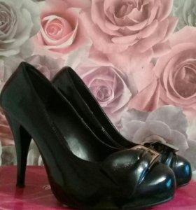 Туфли лакированые