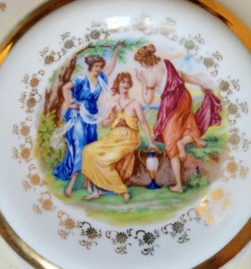 Коллекционные тарелки.