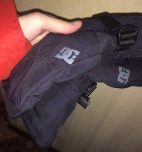 Перчатки DC сноубордические
