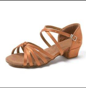 Туфли для спортивных танцев (латина)