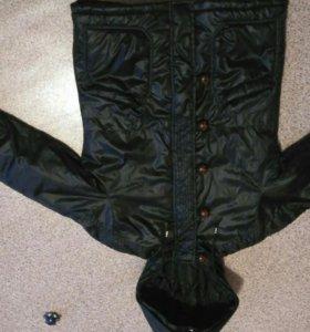 Курточка как для мальчика так и для девочки