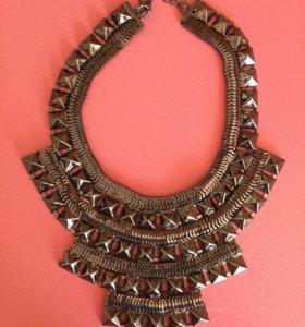 Украшение, колье, ожерелье