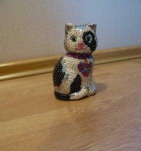Кошечка (фигурка)