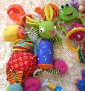Игрушки погремушки для маленьких пакетом