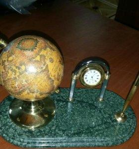 Сувенир: Глобус с часами и ручкой