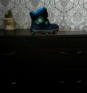 Ботинки зимние.р 28.
