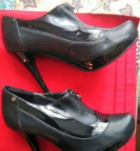 Ботинки осенние 40 размер
