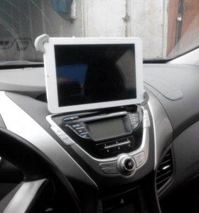 """Держатель планшета до 9"""" на панель автомобиля."""