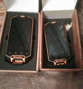 Два телефона на запчасти Runbo X5,три батареи.