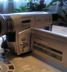 Видеокамера с документами+3 касеты вместе. Торг.