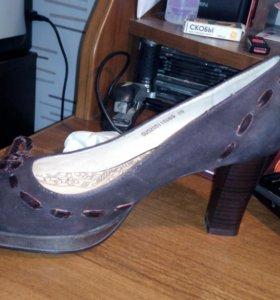 Туфли женские .Натуральная кожа.Новые.Размер 39