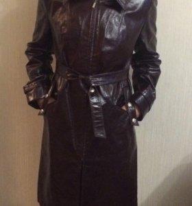 Плащ,пальто ,тренч ,куртка под кожу 46-48