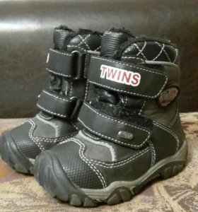Ботинки зимние 20 размер Twins
