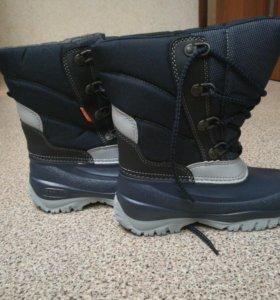 Новые Детские ботинки demar
