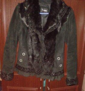 Продам замшевую курточку