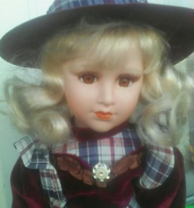 Кукла фарфоровая новая