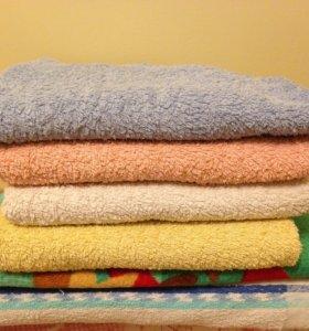 Скатерти, полотенце махровые.