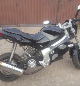 Скутер-байк Omax 180