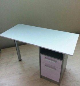 Стильный маникюрный стол складной