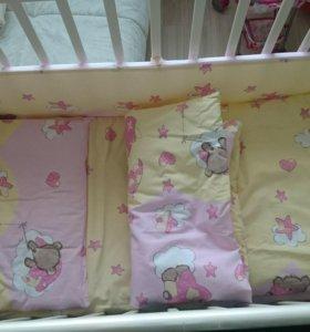 Кровать детская с ящиком + матрас + комплект