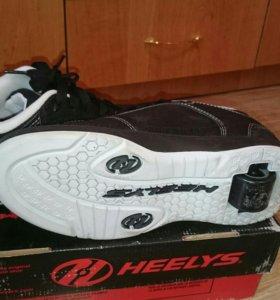 Кроссовки Heelys (Роликовые кроссовки)