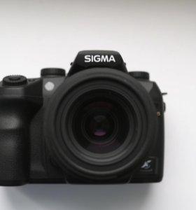 Зеркальный фотоаппарат Sigma SD15 и обьектив 18-50