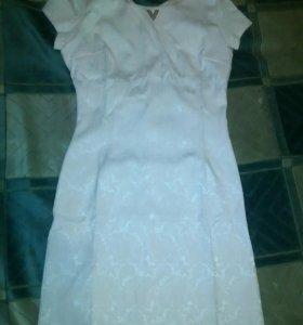 Платье новое,размер 40