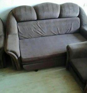 Диван 2 х спальный и 2 кресла