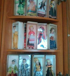 Коллекция кукол в народных костюмах