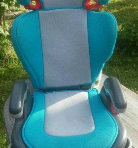 2 Авто кресла детские
