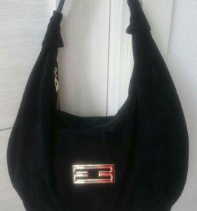 Чёрная , новая, замшевая сумка