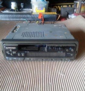 Автомагнитола Pioneer-кассетная