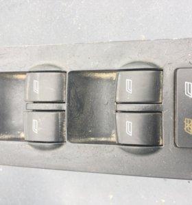 Блок управления стеклоподъемниками Audi A6 C5