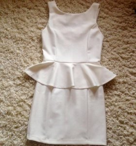 Платье с баской 💐размер М