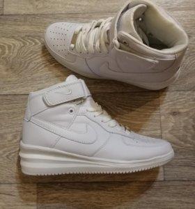 Кеды Nike в наличии