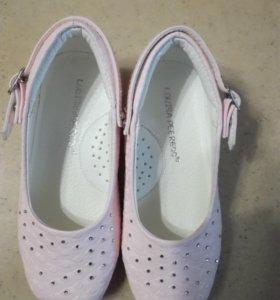 Новые туфли для девочки Louisa Peeress