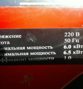 Бензиновый генератор.6.5 кв