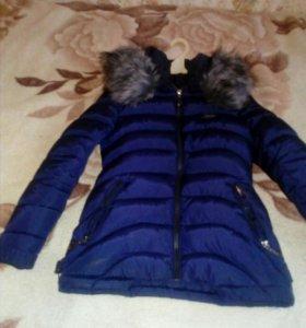 Продам женскую зимнию куртку