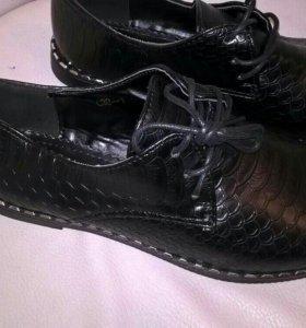 Ботинки новые.