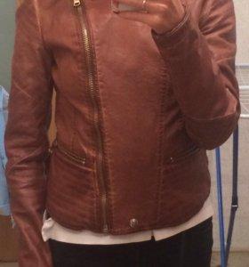 Продам куртку фирмы Bershka