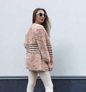 Шубка-пиджак из козлика новая