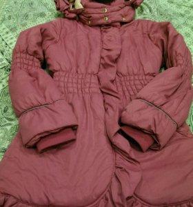 Пальто  на девочку10-12 лет