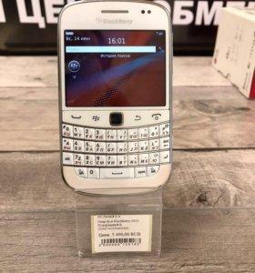 Смартфон Blackberry 9900