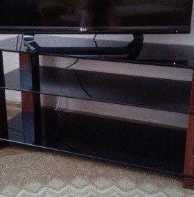 тумба под ТВ , стекло