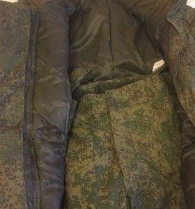 Бушлат и штаны военные.