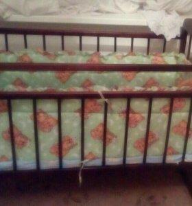 Детская кроватка + матрас + бортики в кроватку